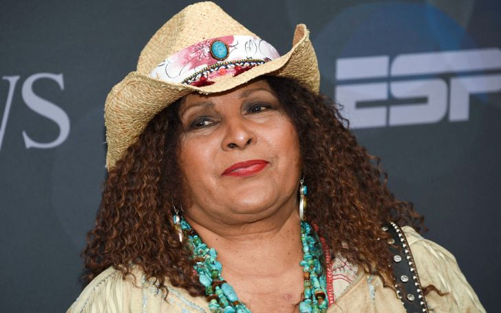 Pam Grier Net Worth - The Complete Breakdown