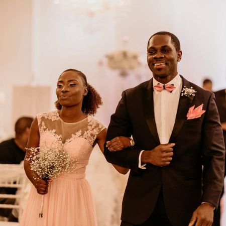 Conphidance was spotted with a girl naed Ugochi Nkoronye in a wedding ceremony.