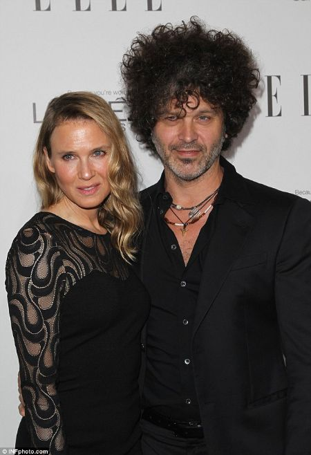 Susannah Melvoin Married Doyle Bramhall II from 1997 to 2010.