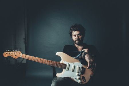Doyle Bramhall II is a well-reputed American musician, producer, guitarist, and songwriter.
