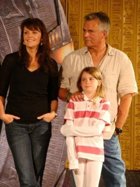 Richard Dean Anderson poses a picture with partner Apryl and daughter Wylie Quinn Annarose.