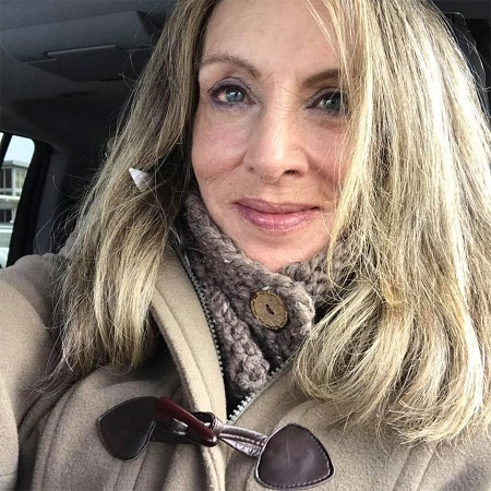 Linda Tripp Rausch taking a selfie in a car.