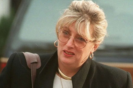 Former White House staffer Linda Tripp leaves her home in Columbia, Md., Jan. 21, 1998.