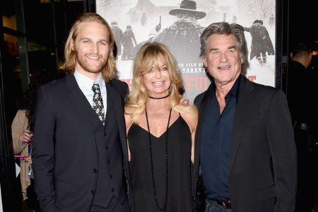 Kurt and Goldie welcomed their first child, son Wyatt Russell, in 1986.