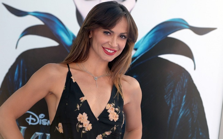 Is There a Hint of Who Karina Smirnoff's Baby Daddy Is?