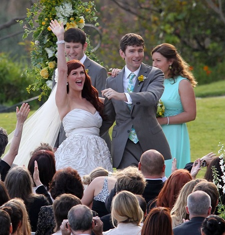Sara Rue and husband Kevin Price at their wedding.