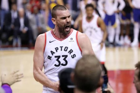 Marc Gasol in the jersey of Toronto Raptors.