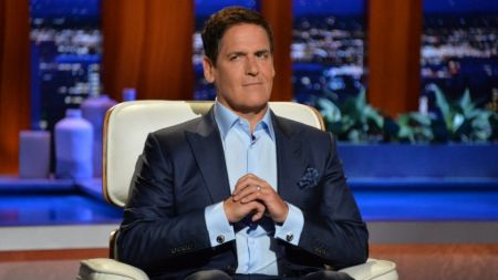 Mark Cuban is in an amazingly healthy and fit body shape even at the age of 61.