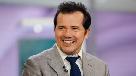 John Leguizamo currently holds an estimated net worth of $25 million.