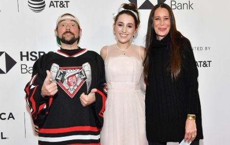 Kevin Smith was married to his wife Jennifer Schwalbach.