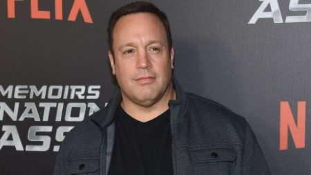 Kevin James began his career for the first time in 1989.