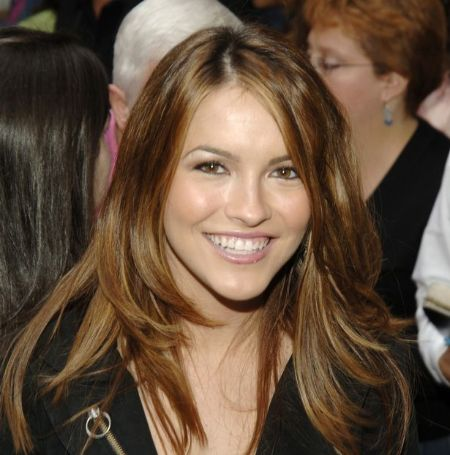 Chrishell Stause was previously engaged to the Broadway actor Matthew Morrison from 2006 to 2007.