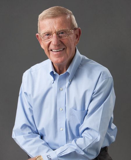 Lou Holtz holds an estimated net worth of $20 million as of September 2020.