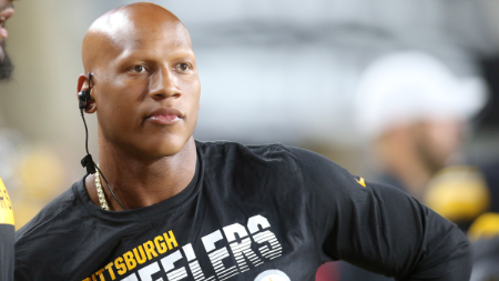 Ryan Shazier in  a black t-shirt caught on camera.