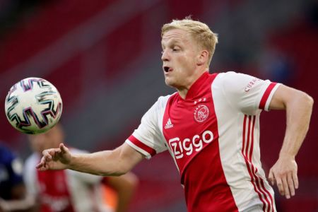 Donny van de Beek is the central midfielder, with the role of a creative player with attacking responsibilities.