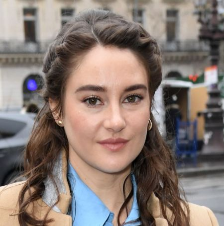 Shailene Woodley realized that she was not ready for a serious relationship while she was playing a role in the movie 'Endings, Beginnings.'