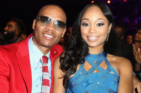 Ronnie DeVoe is married to singer-songwriter, dancer and actress Shamari DeVoe Fears as of December 2020.