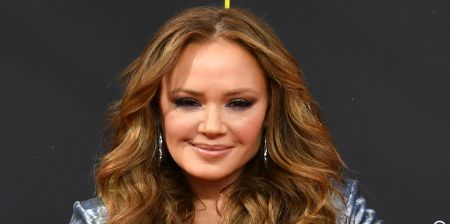 Leah Remini claims she's never had plastic surgery.