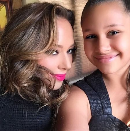 Leah Remini taking a selfie with her daughter Sofia Bella Pagan.