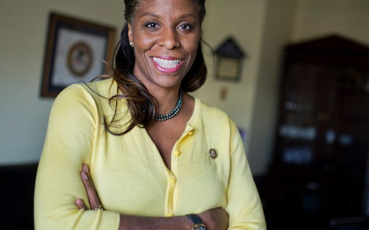 What is Stacey Plaskett Net Worth in 2021? Here's the Breakdown