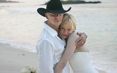 Renee Zellweger's Husband Kenny Chesney - Top 5 Facts