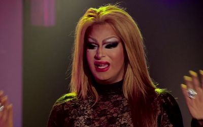 How Rich is Drag Queen Roxxxy Andrews?