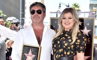 Kelly Clarkson Fills In for Simon Cowell on America's Got Talent