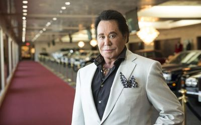 Did Wayne Newton Undergo Plastic Surgery? Find Out About It Here